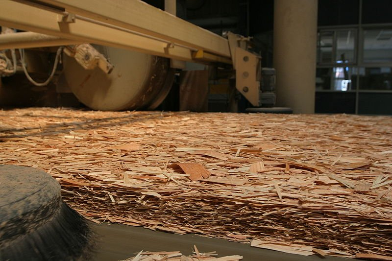 photo of oriented strand board before it is pressed