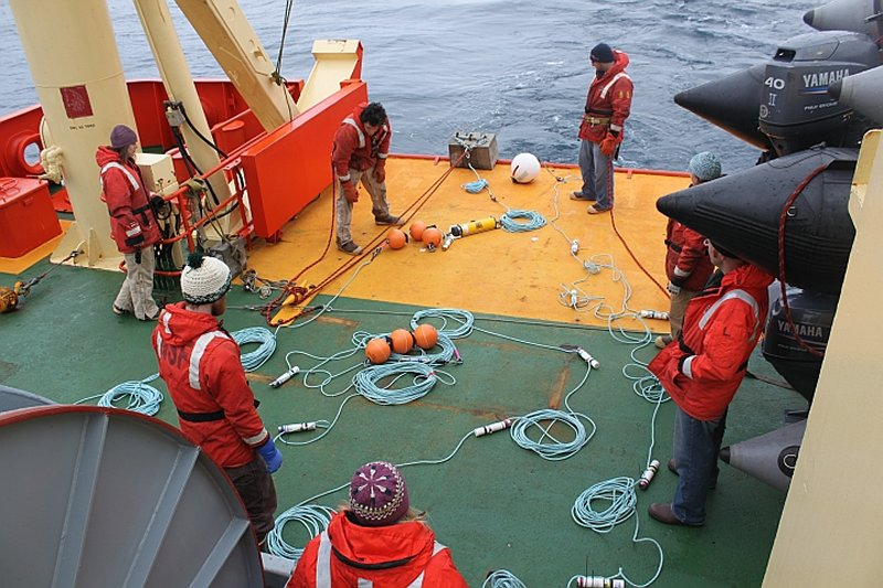 Palmer LTER researchers at work on sea vessel
