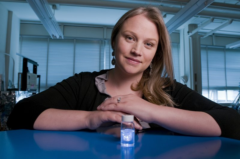 researcher shines light on quantum dots