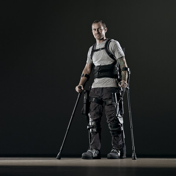 an exoskeleton system enables a paraplegic patient to stand unassisted